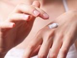 Можна кремом для обличчя мазати руки? Основні правила догляду за шкірою